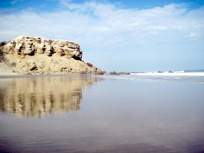 This is typical of the Northern Peru Coastline - empty and beautiful. Just south of Punta Veleros, Organos.